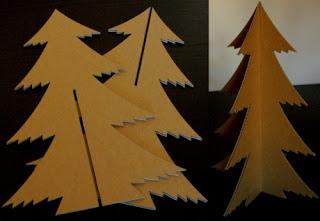 Recicla y crea tu rbol de navidad doordresser for Arbol de navidad con cajas de carton