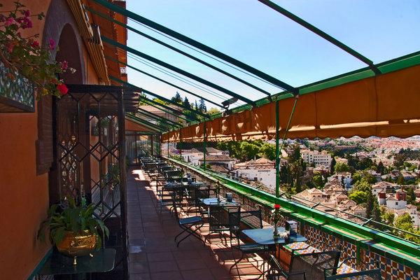 Terraza Hotel Alhambra Palace